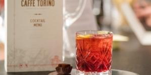 Cocktail Negroni storia 100 anni: Martini celebra il fascino del cocktail italiano più famoso al mondo