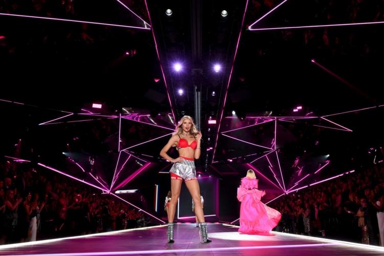 Victoria's Secret occhiali da sole 2019: il lancio della collezione con Marcolin