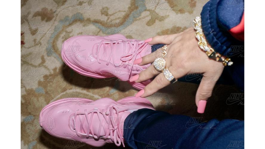 Nike Air Monarch Martine Rose: la capsule collection d'abbigliamento e le sneakers