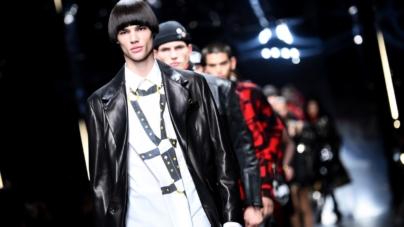 Versace Uomo autunno inverno 2019: la sfilata e la capsule in limited edition con Ford
