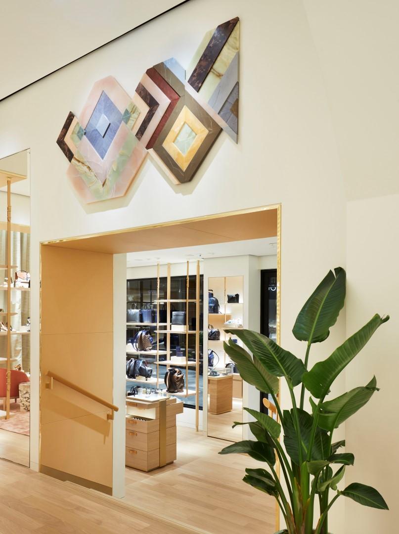 Louis vuitton boutique bologna restyling store for Boutique bologna