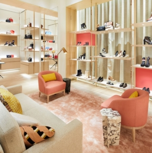 Louis Vuitton boutique Bologna: svelato il restyling dello store in Galleria Cavour