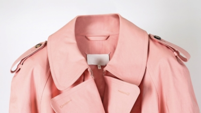 Maison Margiela Mackintosh primavera estate 2019: l'esclusivo trench rosa bubble-gum
