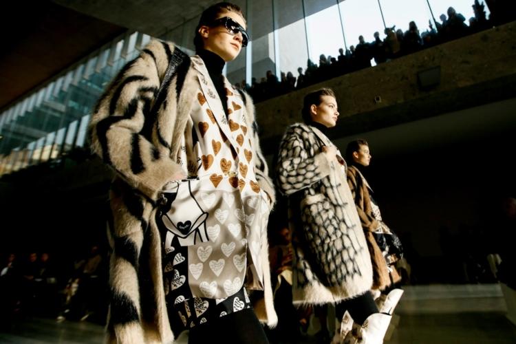 Max Mara autunno inverno 2019: power dressing glamour, la sfilata
