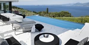 Villa di lusso Lago di Garda: design, luce naturale e spazi aperti firmati Hi-Macs