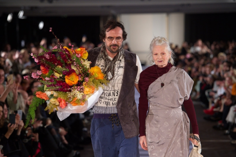 Andreas Kronthaler Vivienne Westwood autunno 2019: il tesoro dei tessuti