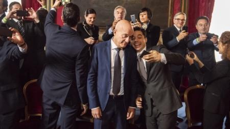 Bentornato Presidente film 2019: Claudio Bisio e il cast vestono Briglia 1949