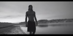 Giorgio Armani The Scent of Life: gli atleti e l'acqua, il video con Nicolò Caimi
