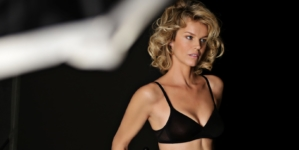 Yamamay Basic Collection 2019: protagonista Eva Herzigova