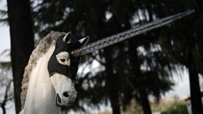 Fuorisalone 2019 Leonardo Horse Project: i 13 Cavalli di Design decorati da designer internazionali