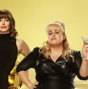 Attenti a quelle due film: la divertente commedia con Anne Hathaway e Rebel Wilson