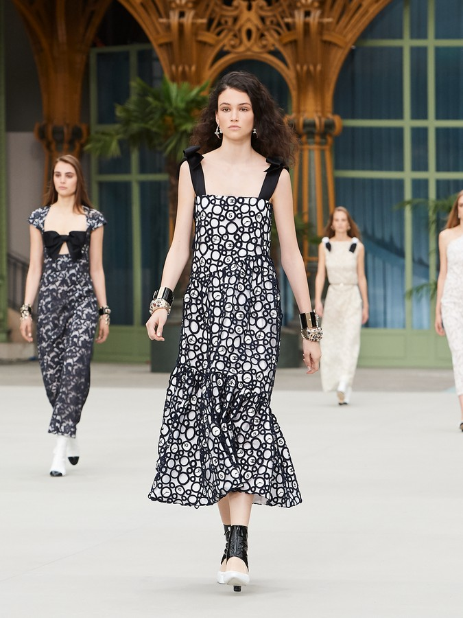 Chanel Cruise 2020 sfilata