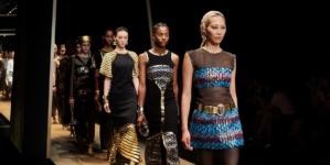 Chanel Métiers d'art 2018 2019 Seoul: la sfilata evento, special guest Kristen Stewart