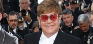 Gucci Elton John occhiali da sole: i due modelli dedicati all'icona del rock inglese