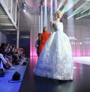 Huawei P30 Pro Fashion Flair: la collezione di moda co-creata dall'Intelligenza Artificiale