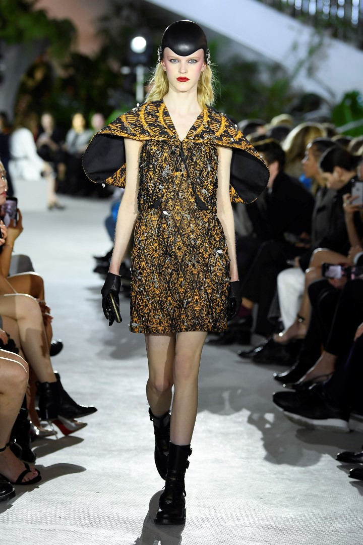 Louis Vuitton sfilata Cruise 2020