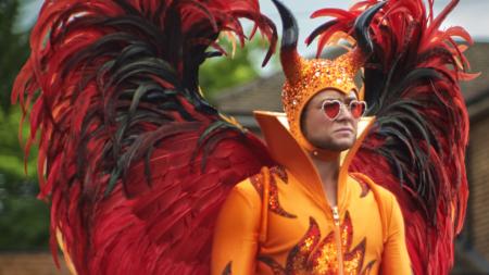Rocketman film: i costumi del musical su Elton John