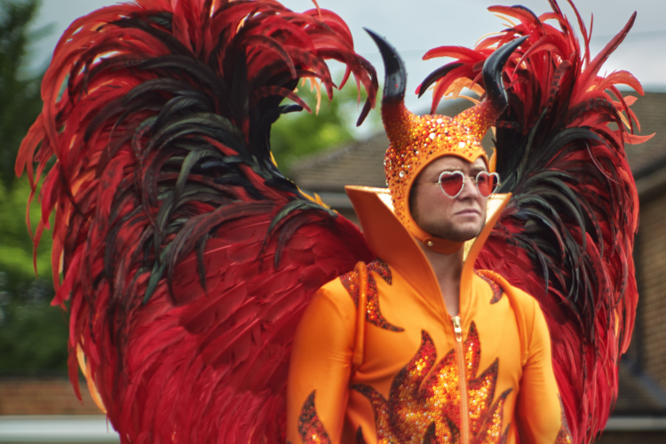 Rocketman film: i costumi del musical su Elton John