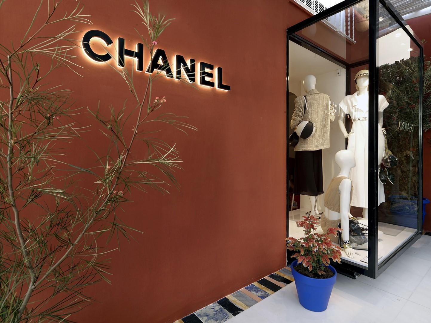 Chanel Capri pop up