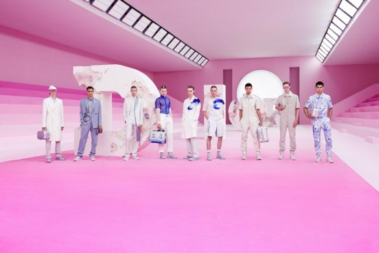 Dior Uomo primavera estate 2020: i simboli storici rivisitati da Daniel Arsham