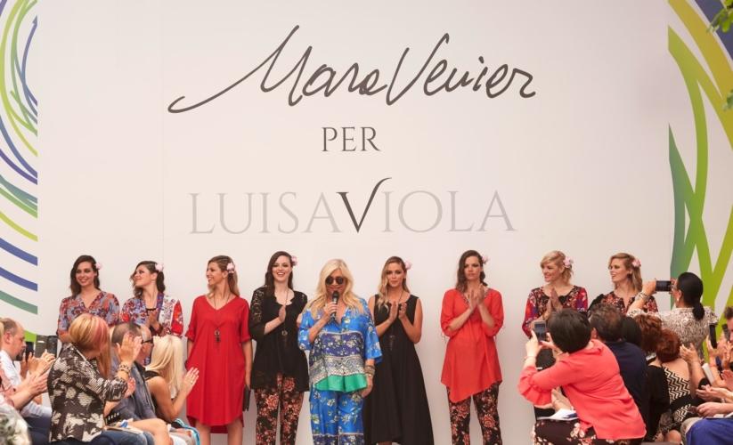 Mara Venier Luisa Viola primavera estate 2020: un sogno tropicale di stampe