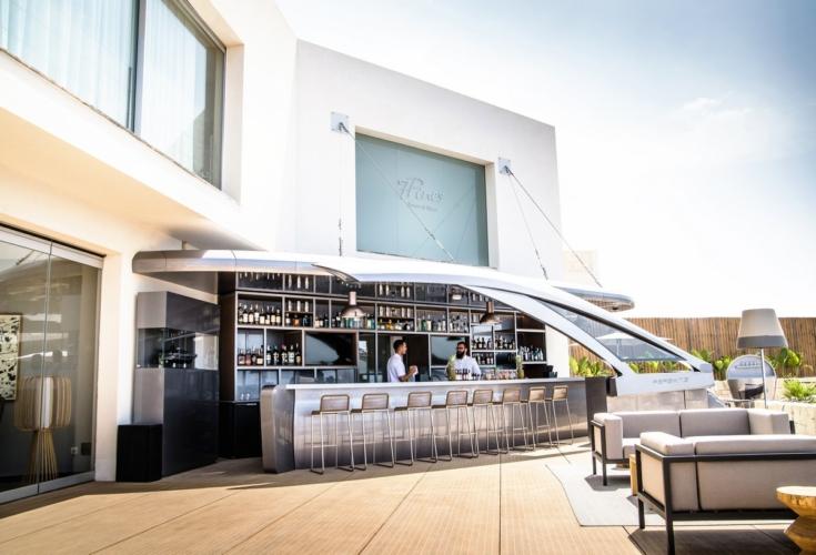 Pershing Yacht Terrace Ibiza: il cocktail bar esclusivo al 7Pines Resort