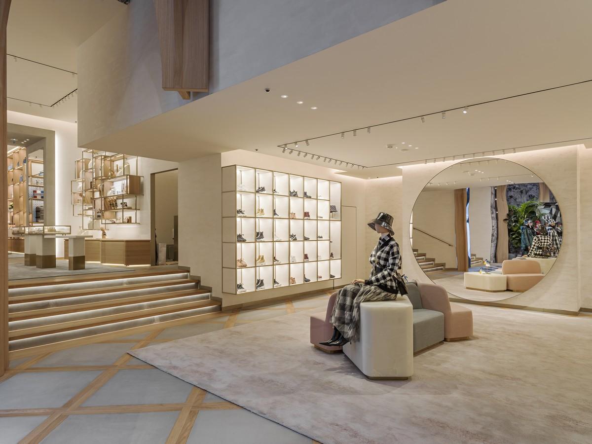 Dior Parigi Champs Elysees