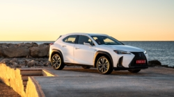Festival Cinema Venezia 2019 Lexus: UX Hybrid sul red carpet con le star