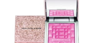 Naj Oleari Beauty autunno inverno 2019: la collezione Space Attraction in limited edition