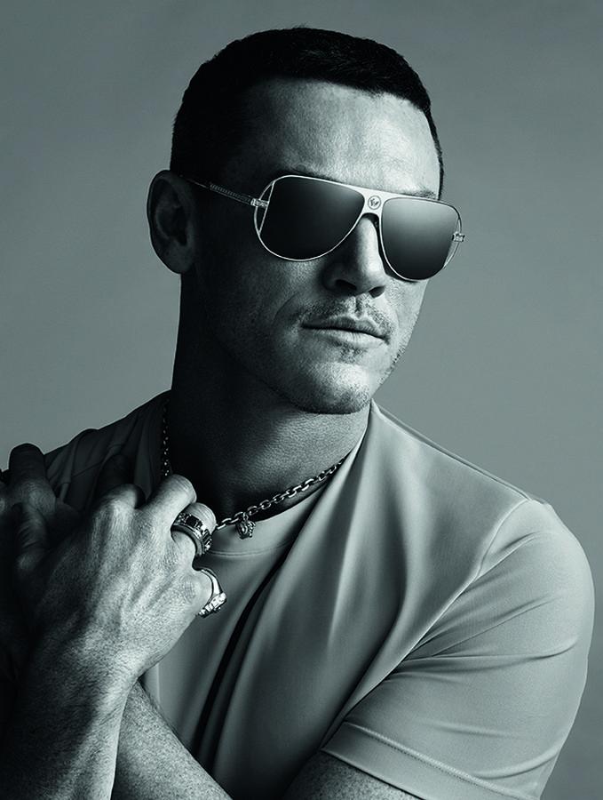 Versace Luke Evans campagna occhiali