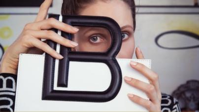 Laura Biagiotti campagna autunno inverno 2019: protagonista Anna Cleveland