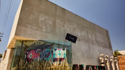 Maxfield Los Angeles boutique: gli spazi interni e le vetrine create da Alanui