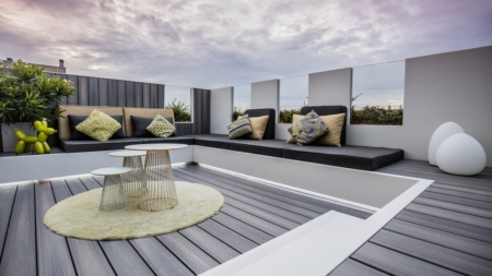 Progetto terrazzo attico Belgio: HI-MACS realizza un elegante rooftop a Nieuwpoort