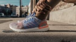 """adidas Ultraboost 19: la campagna """"Feel The Boost"""" e le nuove varianti cromatiche"""