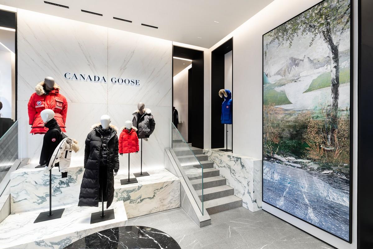 Canada Goose via della Spiga Milano