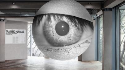 Fondazione Prada Training Humans: la mostra sull'intelligenza artificiale