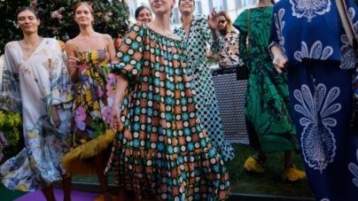 La DoubleJ primavera estate 2020: un mondo di abiti vivaci e leggeri