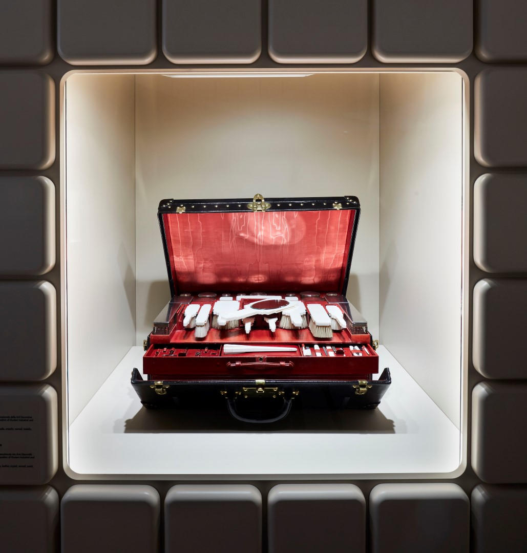 Louis Vuitton Time Capsule Milano