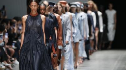 Sportmax primavera estate 2020: femminilità neo-romantica e tailoring
