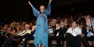 The Laundromat Venezia 76: il red carpet con Meryl Streep e Gary Oldman