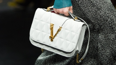 Versace borse Virtus 2019: la bag must have per l'autunno inverno 2019