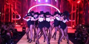Calzedonia sfilata autunno inverno 2019: il LegShow Hotel Edition con Barbara Palvin