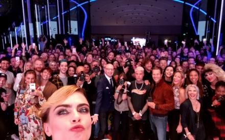 Cara Delevingne Samsung Selfie: il party di lancio della missione SpaceSelfie a Londra