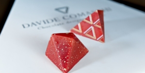 Davide Comaschi Pralina Panettone: i sapori del dolce natalizio in una ganache morbida