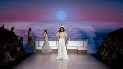 Elisabetta Franchi primavera estate 2020: allure nautica, tutti i look