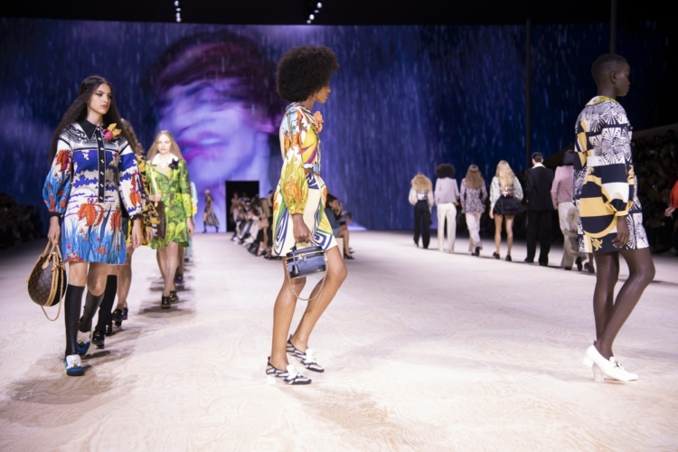 Louis Vuitton Donna primavera estate 2020: la nuova Belle Époque