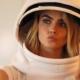 Samsung SpaceSelfie Cara Delevingne: il primo selfie al mondo nello spazio