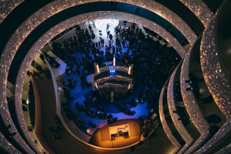 Guggenheim International Gala 2019: l'evento con Charlize Theron, Uma Thurman e Karlie Kloss