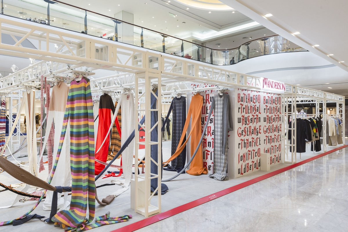 JW Anderson pop-up store Cina
