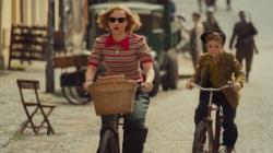 Jojo Rabbit film 2020: la genuina parodia sulla cultura nazista, speciale costumi di scena